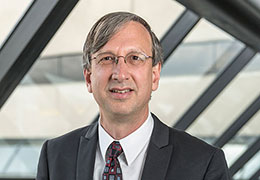 business-of-medicine-executive-associate-dean-ken-carow-260x180.jpg